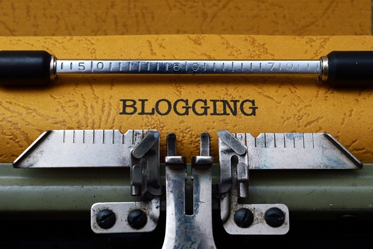 How blogs make money. Image of the word